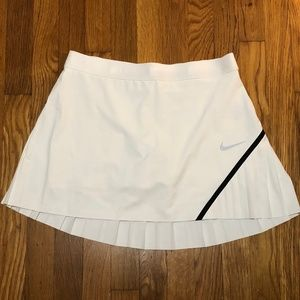 Nike Woven Innovation Links Pleated Golf Skort